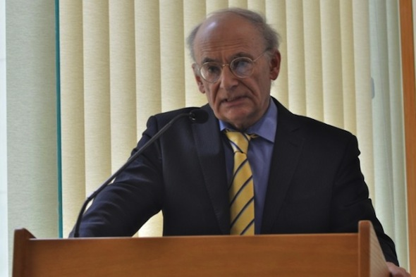 """Nobel Peace Prize nominee David Matas speaks at a launch event in Australia for his latest book """"State Organs: Transplant Abuse in China."""" Matas will speak at a launch in Victoria, British Columbia, on June 4, 2013. (Sonya Bryskine/The Epoch Times)"""